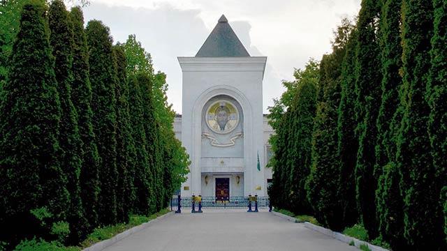Экскурсии   Московский Данилов монастырь