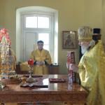 Епископ Алексий возглавил богослужение в храме великомученицы Екатерины на Всполье | Московский Данилов монастырь