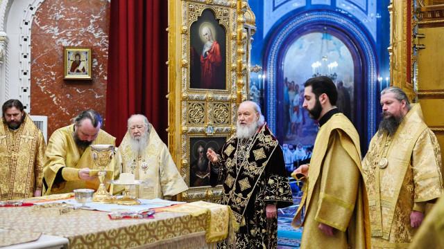 В двенадцатую годовщину интронизации Святейший Патриарх Кирилл совершил Литургию в Храме Христа Спасителя | Московский Данилов монастырь