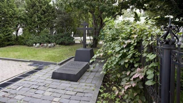 Могила Николая Васильевича Гоголя вДаниловом монастыре | Московский Данилов монастырь