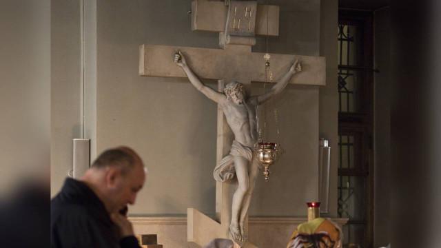 Неделя третья Великого Поста. Крестопоклонная | Московский Данилов монастырь