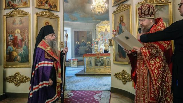 Святейший Патриарх Кирилл поздравил наместника Данилова монастыря с Днем Тезоименитства | Московский Данилов монастырь